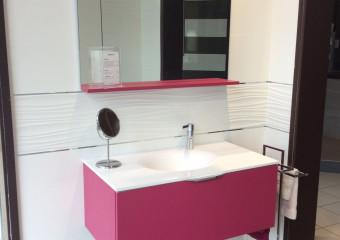 Salle de bains présentée dans notre showroom